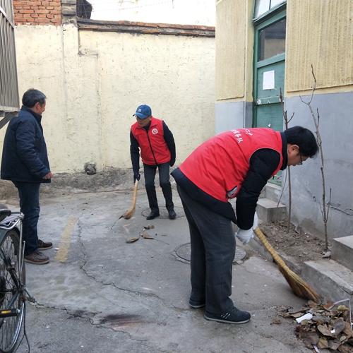 志愿者服务活动开展以来,泰安二中校园周边的文明秩序,卫生状况得